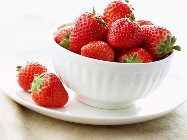 DIY ไอศกรีมสตรอว์เบอร์รีโยเกิร์ต Strawberry Yogurt Ice Cream